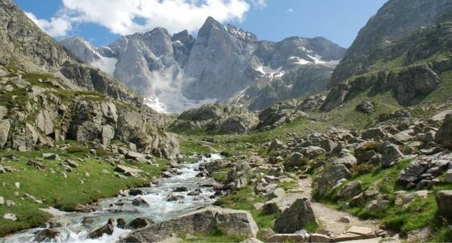 Couverture Hautes Alpes Régions Françaises en camping-car