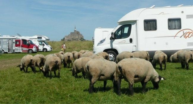 Stationner au Mont-Saint-Michel en camping-car