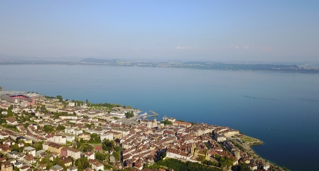 En route vers la Suisse en camping-car_Lac de Neuchâtel