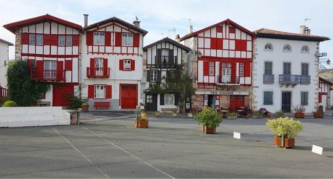 Ainhoa-village-pays-basque