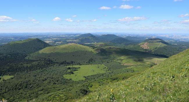 En route vers le Massif Central en camping-car_Parc Naturel Régional des Volcans d'Auvergne