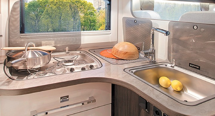 Objets pratiques cuisine camping-car