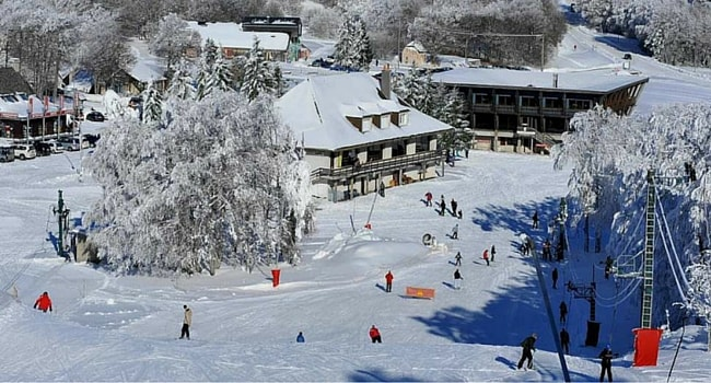 Ski dans le Massif Central en camping-car station Laguiole