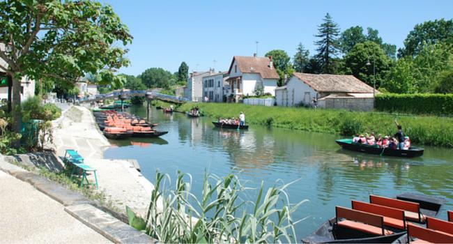 promenade_barque_marais_poitevin_camping_car