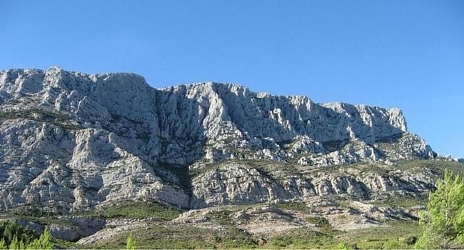 La route des vins de Provence en camping-car_Montagne-Sainte-Victoire-Aix-en-Provence