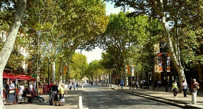 La route des vins de Provence en camping-car_Place-Mirbeau-Aix-en-Provence