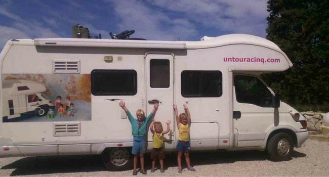 un-tour-a-cinq-voyage-famille-camping-car