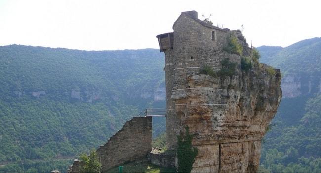 chateau_de_peyrelade_cevennes_camping-car