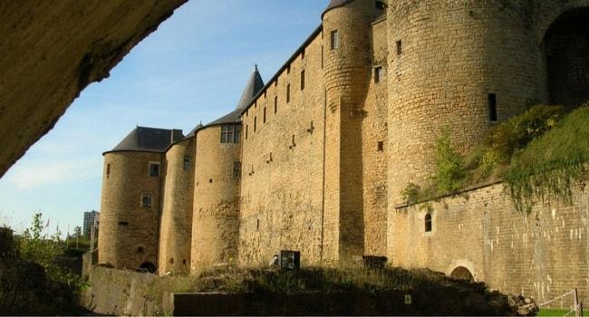 sedan-chateau