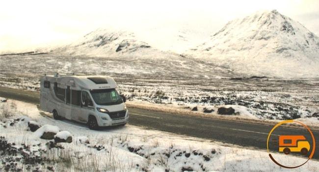 conduite-sur-neige-en-camping-car-1