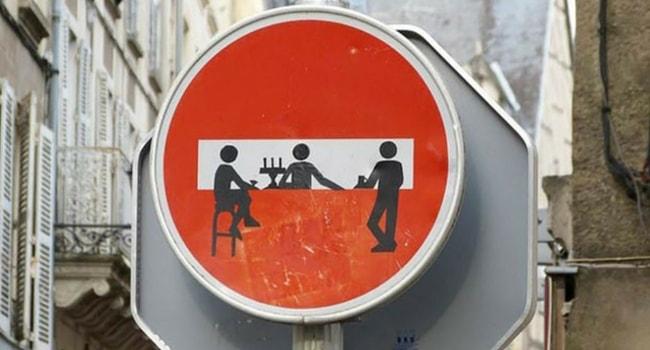 Panneaux routiers insolites 1