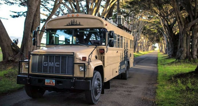 bus amenage GMC