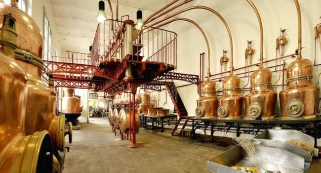 saumur-distillerie-combier