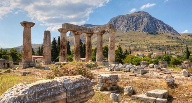 CORINTHE-Grèce et camping-car