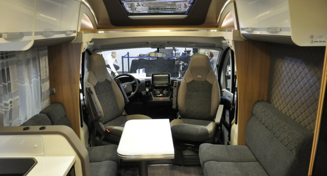 Camping-car adria matrix 670 DC