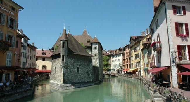 Annecy_Top-5-des-destinations-françaises-en-décembre