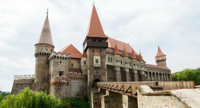 En route vers la Roumanie en camping-car_Château de Hunedoara