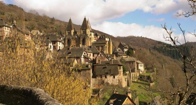En route vers l'Aveyron en camping-car_Conques