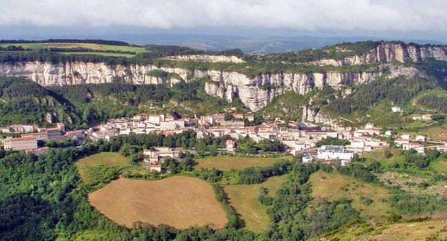 En route vers l'Aveyron en camping-car_Roquefort-sur-Soulzon