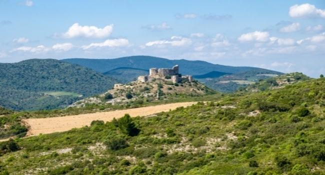 pays-cathare-en-camping-car-chateau-d-Aguilar-plaine-de-tuchan