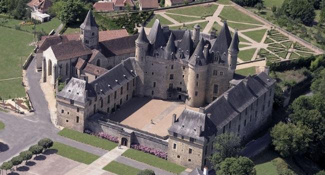 En route vers la Dordogne en camping-car_Château de Jumilhac