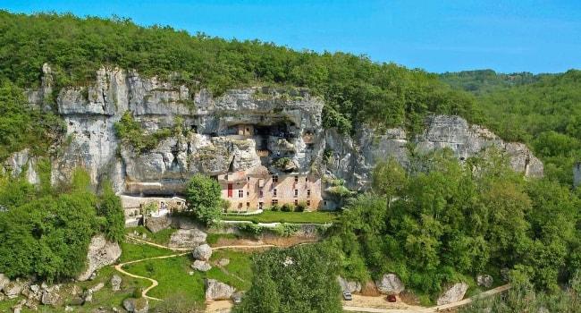 En route vers la Dordogne en camping-car_Maison forte de Reignac