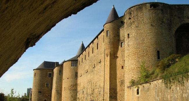 La Champagne-Ardenne en camping-car_Château fort de Sedan