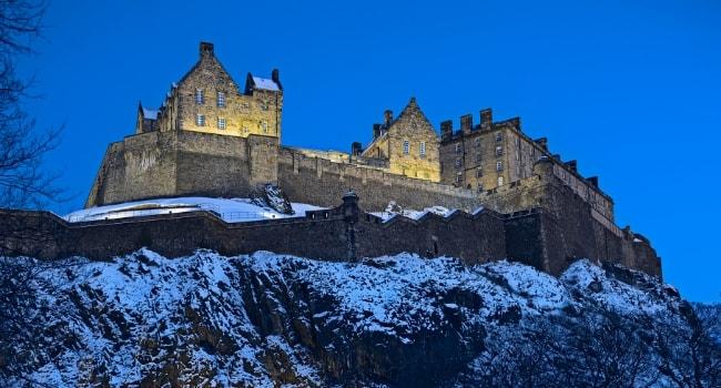 Sur la route des châteaux hantés en camping-car_Le château d Édimbourg