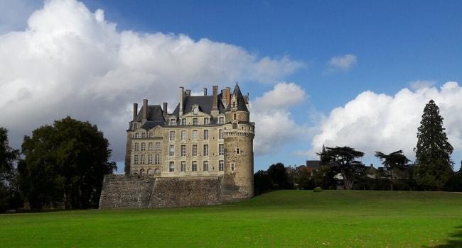 La route des châteaux hantés en camping-car_Le château de Brissac