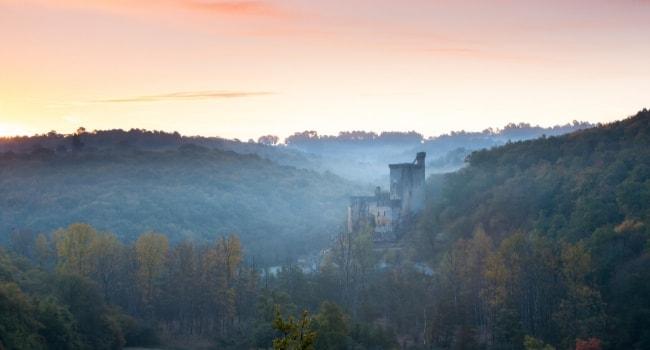 La route des châteaux hantés en camping-car_Le château de Commarque