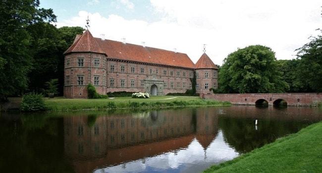 La route des châteaux hantés en camping-car_Le château de Voergaard