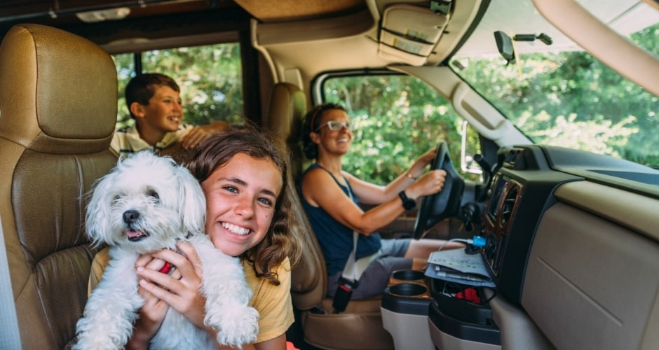 wikicampers-enfants-en-camping-car