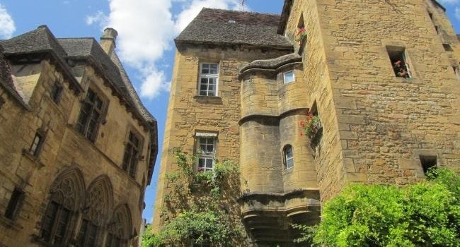 Partir-en-vacances-en-décembre-en-France_Dordogne-Sarlat-la-Canéda