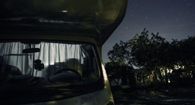 voyager-en-camping-car-pendant-le-couvre-feu-regles-a-respecter