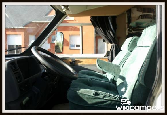 location camping car redon fiat fiat ducato 675. Black Bedroom Furniture Sets. Home Design Ideas
