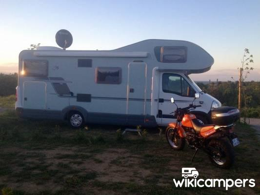 location camping car clermont ferrand renault knaus sport traveller. Black Bedroom Furniture Sets. Home Design Ideas