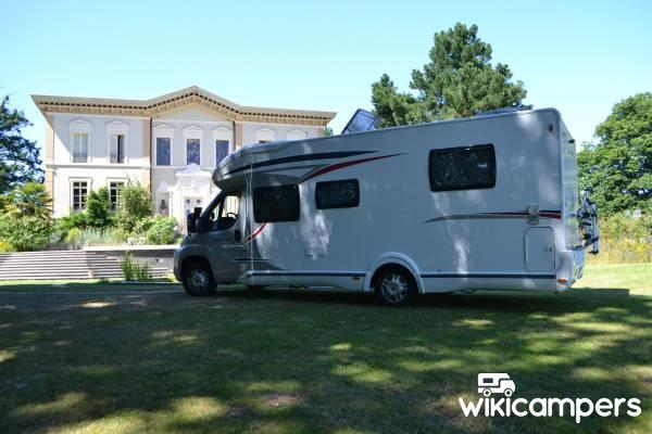 location camping car profil fontenay le comte 85 fiat challenger genesis 69 eb wikicampers. Black Bedroom Furniture Sets. Home Design Ideas