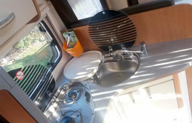 location camping car paris fiat challenger genesis. Black Bedroom Furniture Sets. Home Design Ideas